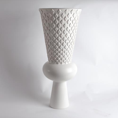 Grande Urn-Diamond-Matte White