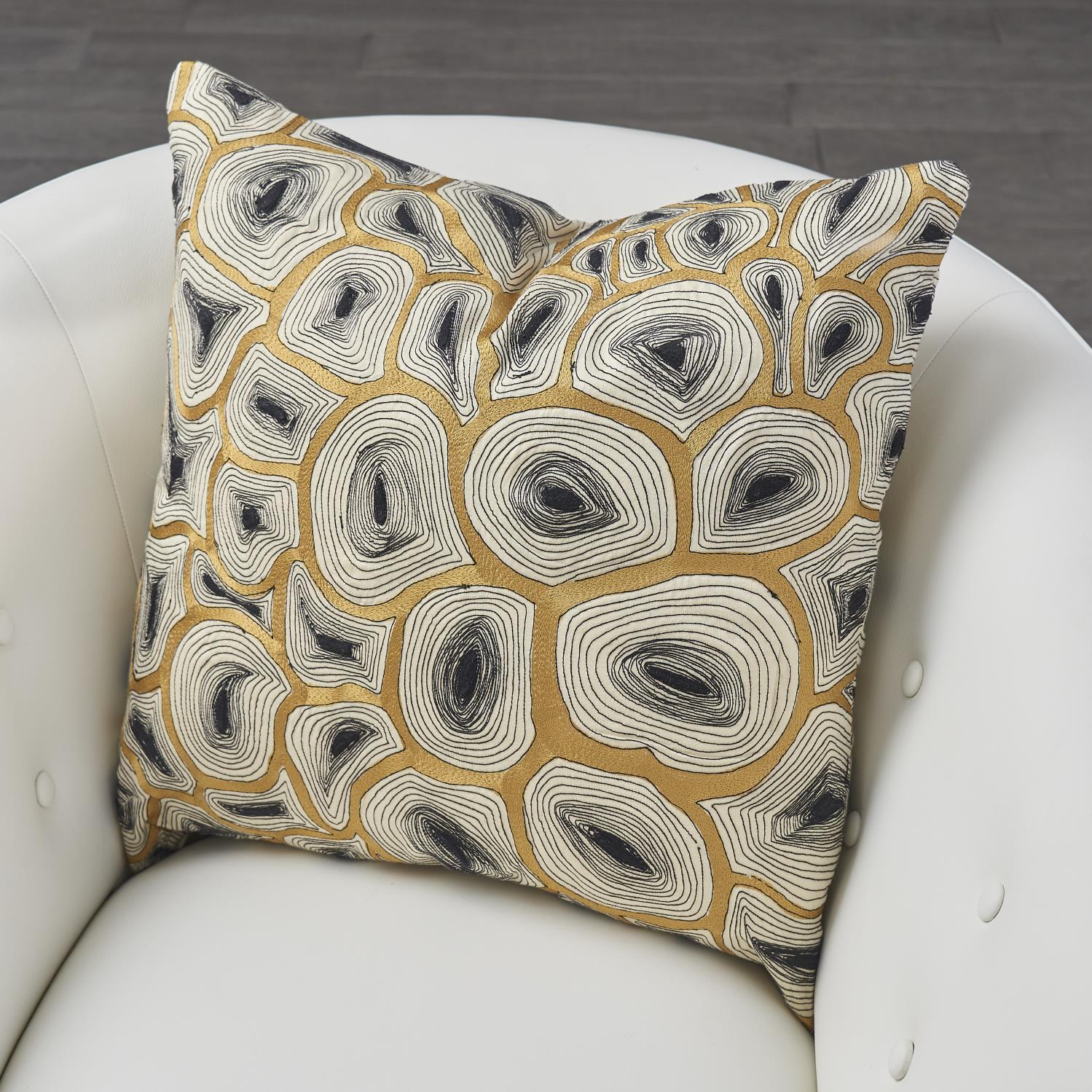 Agate Pillow Black & Gold