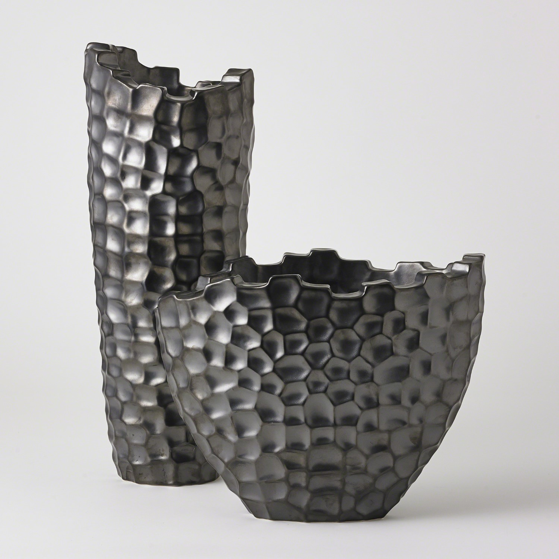 Random Grid Vases Graphite