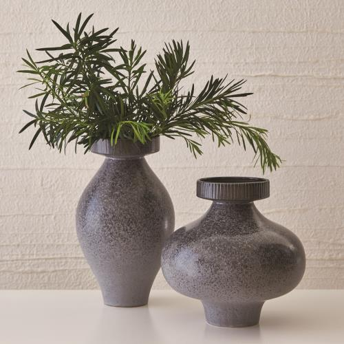 Nova Vases - Reactive Grey