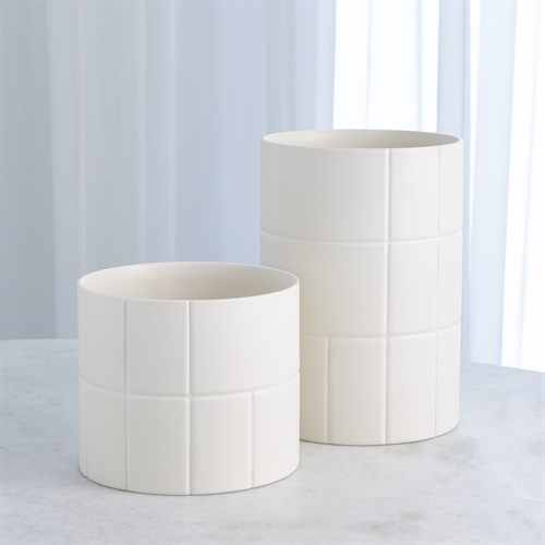 Encircle Vase-Chalk
