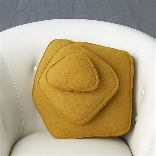Rock Pillow-Camel-Pebble Shape