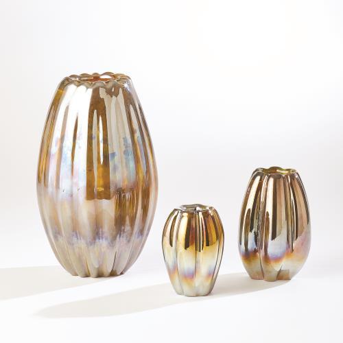 Ribbed Vases-Irys Gelp